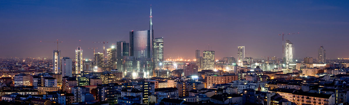 night view of Milano